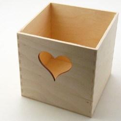 Kutijica-za-olovke-s-srcem